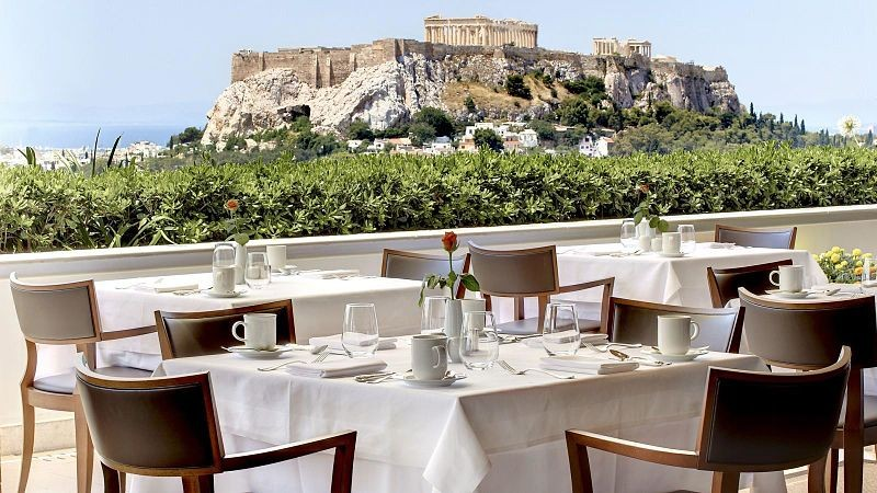 5 Spots For Your Unforgettable Romantic Date In Athens