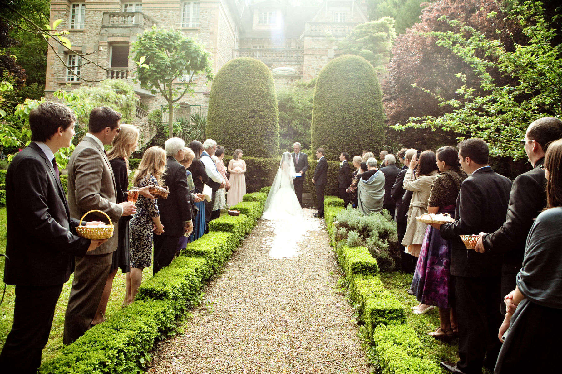 How To Successfully Plan A Wedding In A Month Or Less